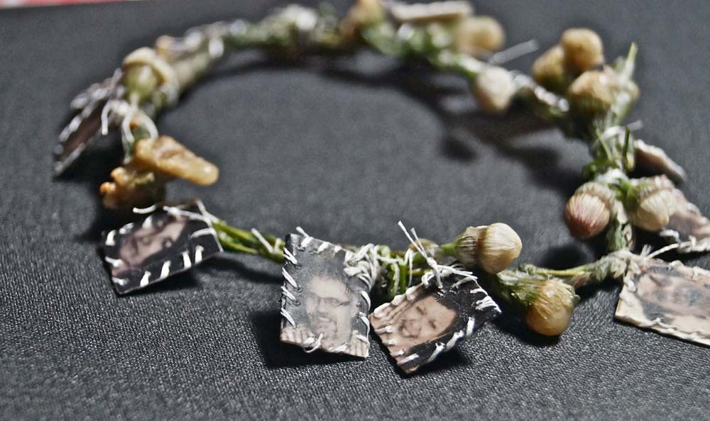 Charms ( Make daisy chains... I remember) 2014