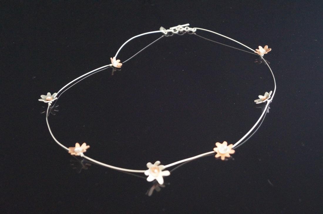 Daisy chain 3